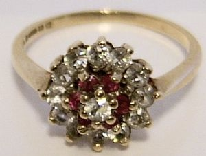 Vintage Garnet 9ct Gold Ladies Ring - SOLD